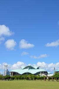 沖縄コンベンションセンター 縦