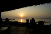 カフェから見る備瀬崎の夕暮れ