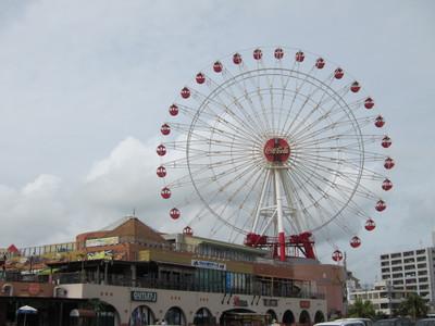 沖縄の北谷の観覧車 2011/07/23