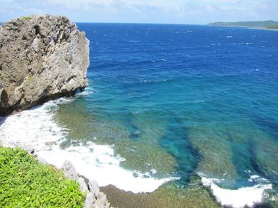 辺戸岬から見える海01