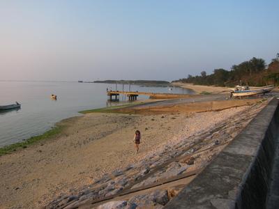 備瀬の夕方の海岸
